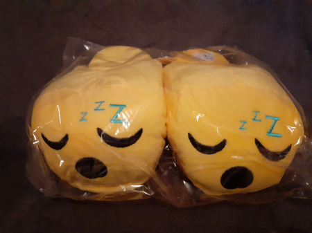 Adult Emoji Slippers ( Sleepy ) ( Adult Sizes 10-11 )